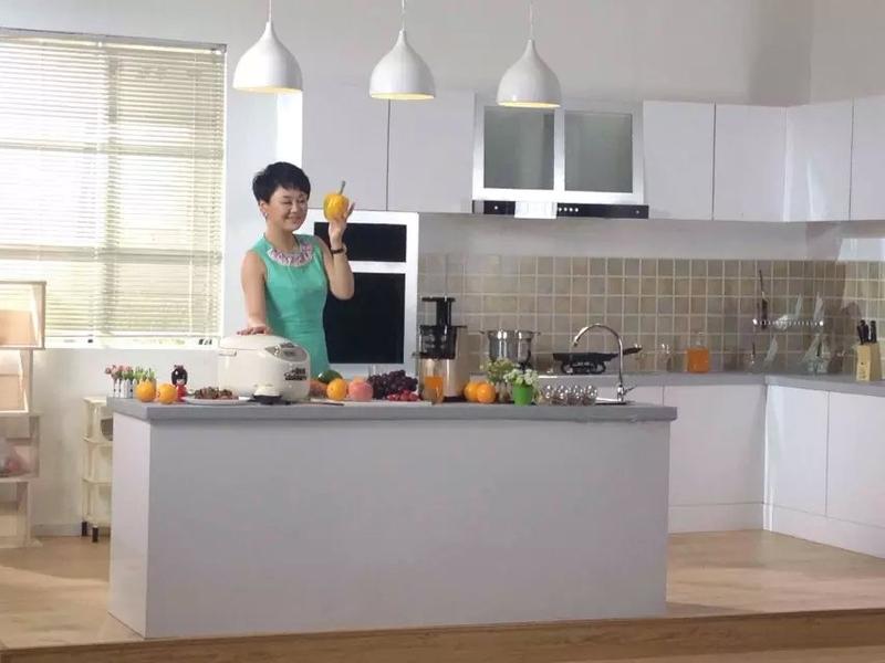 现代厨房-客厅-书房实景影棚_案例图片